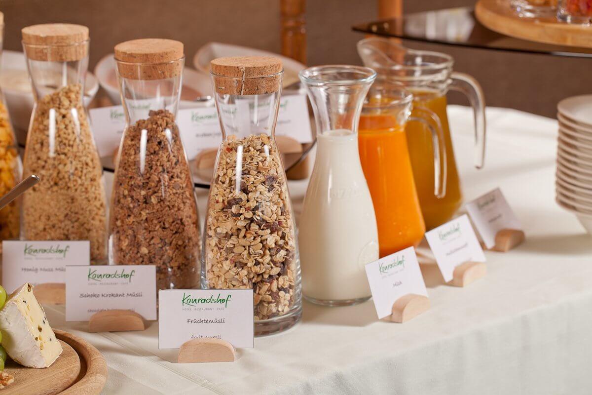 Müsliauswahl am Frühstücksbuffet - Hotel Konradshof