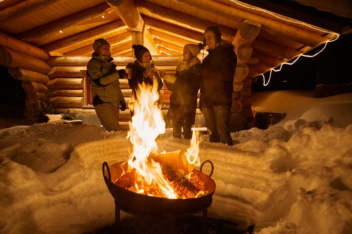 Gemütlicher Abend am Lagerfeuer - Hotel Konradshof