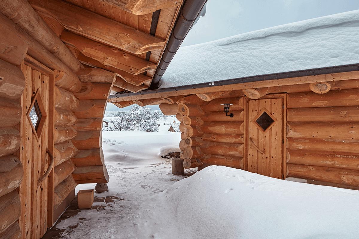 Blockhaussauna im Schnee - Hotel Konradshof