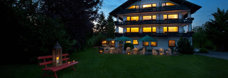 Haus bei Dämmerung - Hotel Konradshof