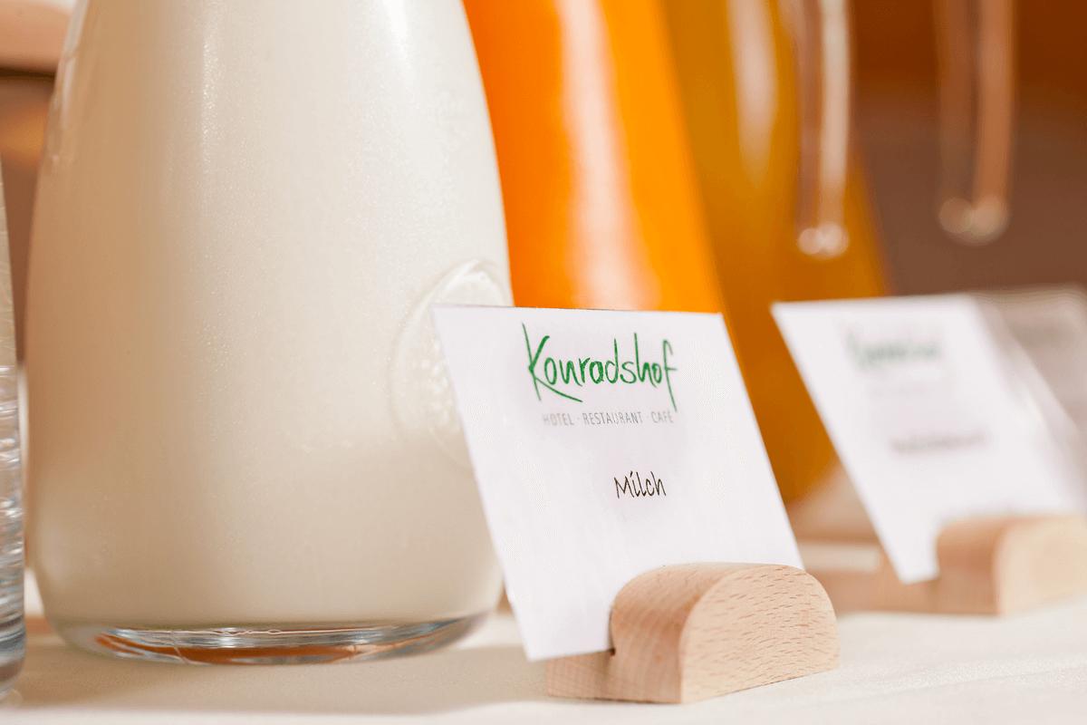 Nahaufnahme Milchkrug - Hotel Konradshof