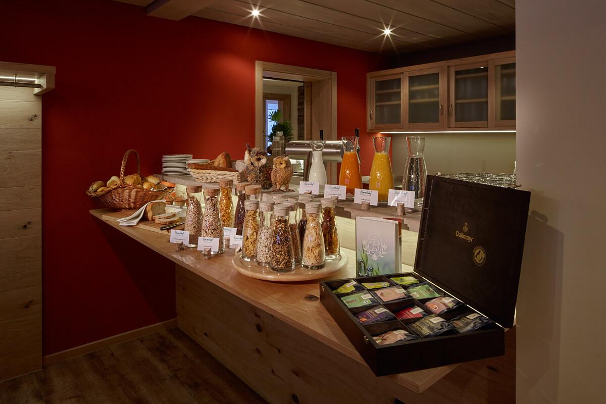 Angerichtetes Frühstücksbuffet für Gäste - Hotel Konradshof